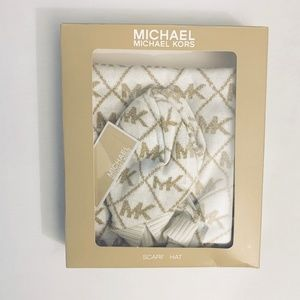 Michael Kors Hat and Scarf Gift Set